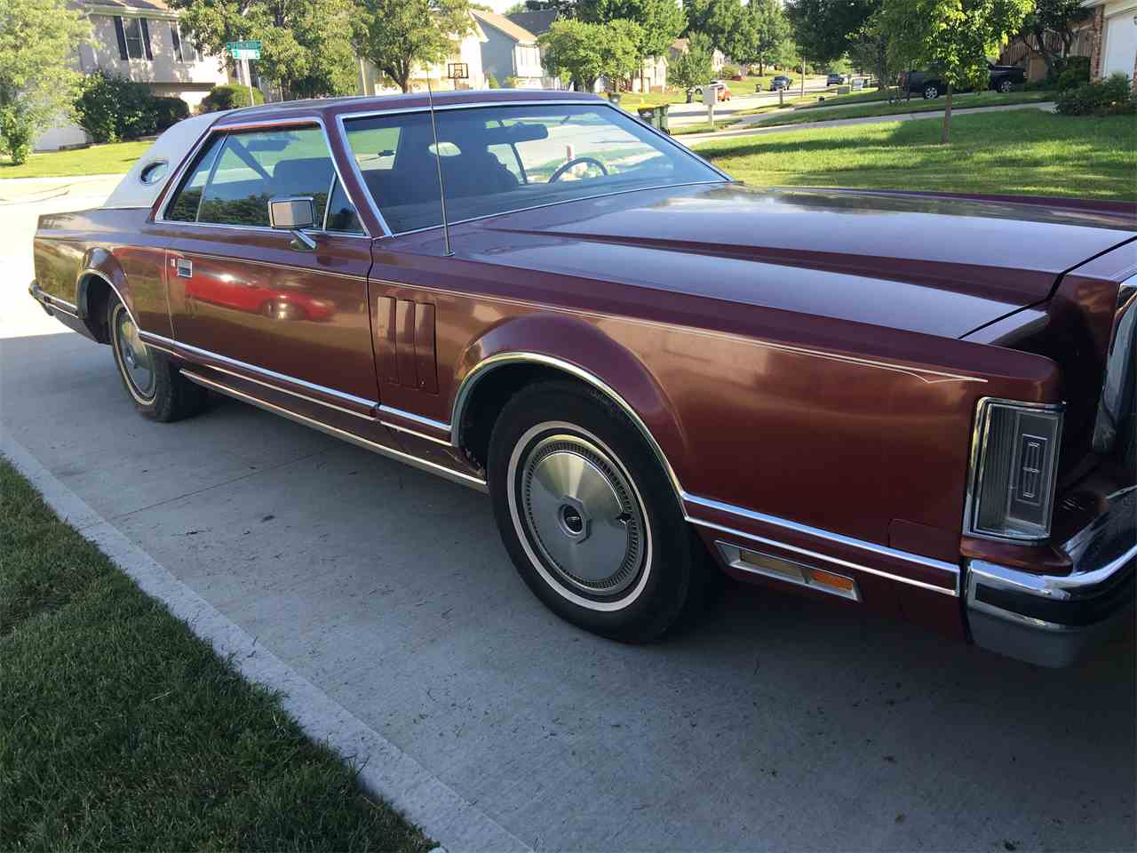Large Picture of '77 Continental Mark V - J432