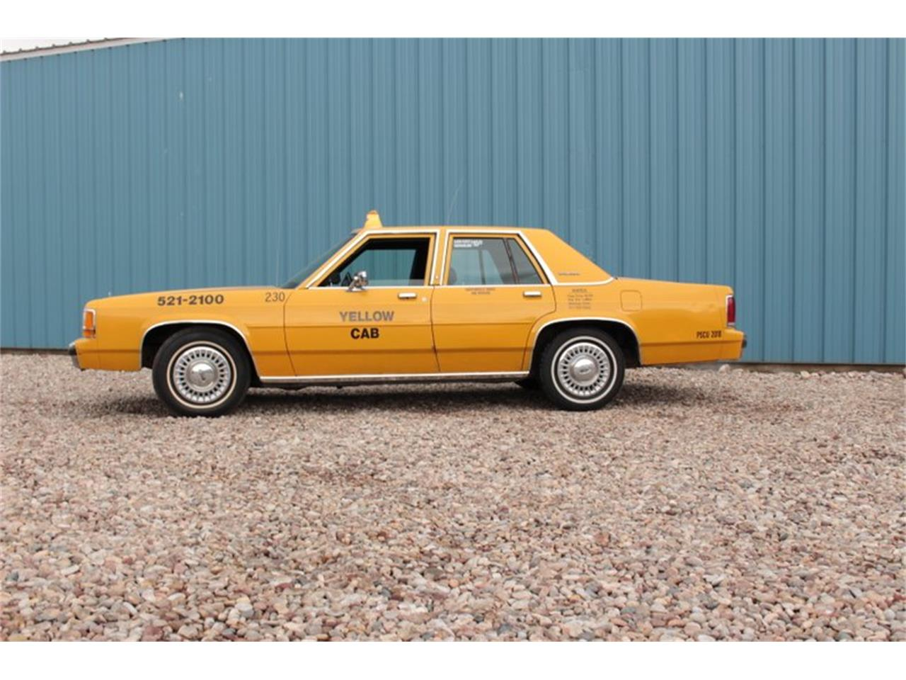Large Picture of '90 Crown Victoria - J44M