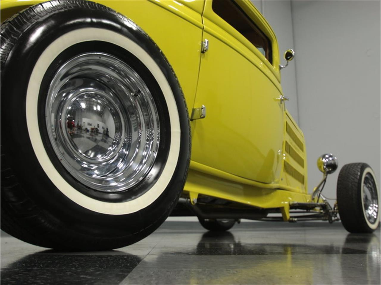 Large Picture of 1932 3-Window Coupe - J4G0