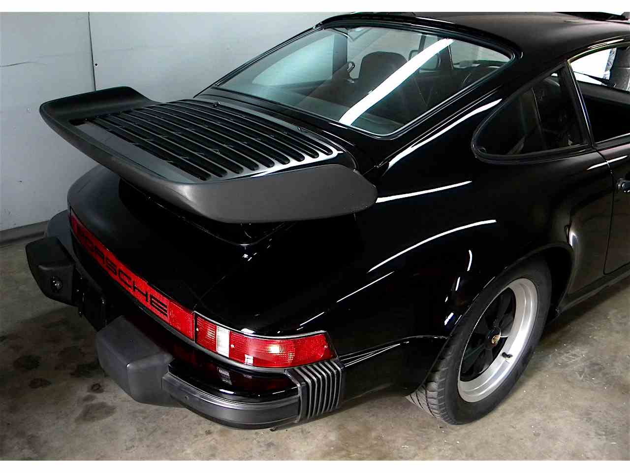 Large Picture of 1984 Porsche 911 Carrera 3.2 coupe - J4MC