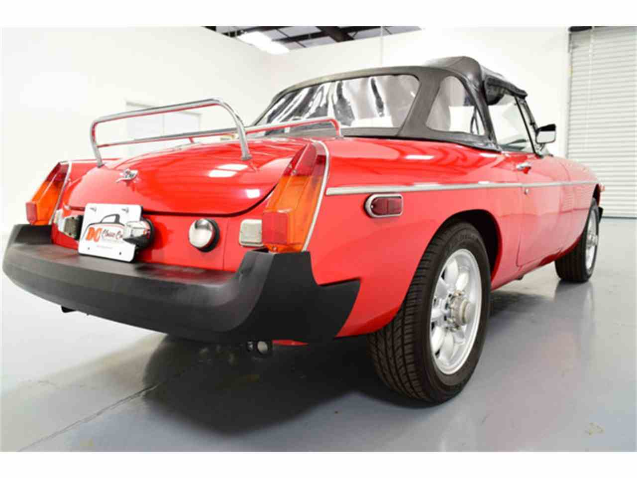 Large Picture of '76 MGB - J4Q3