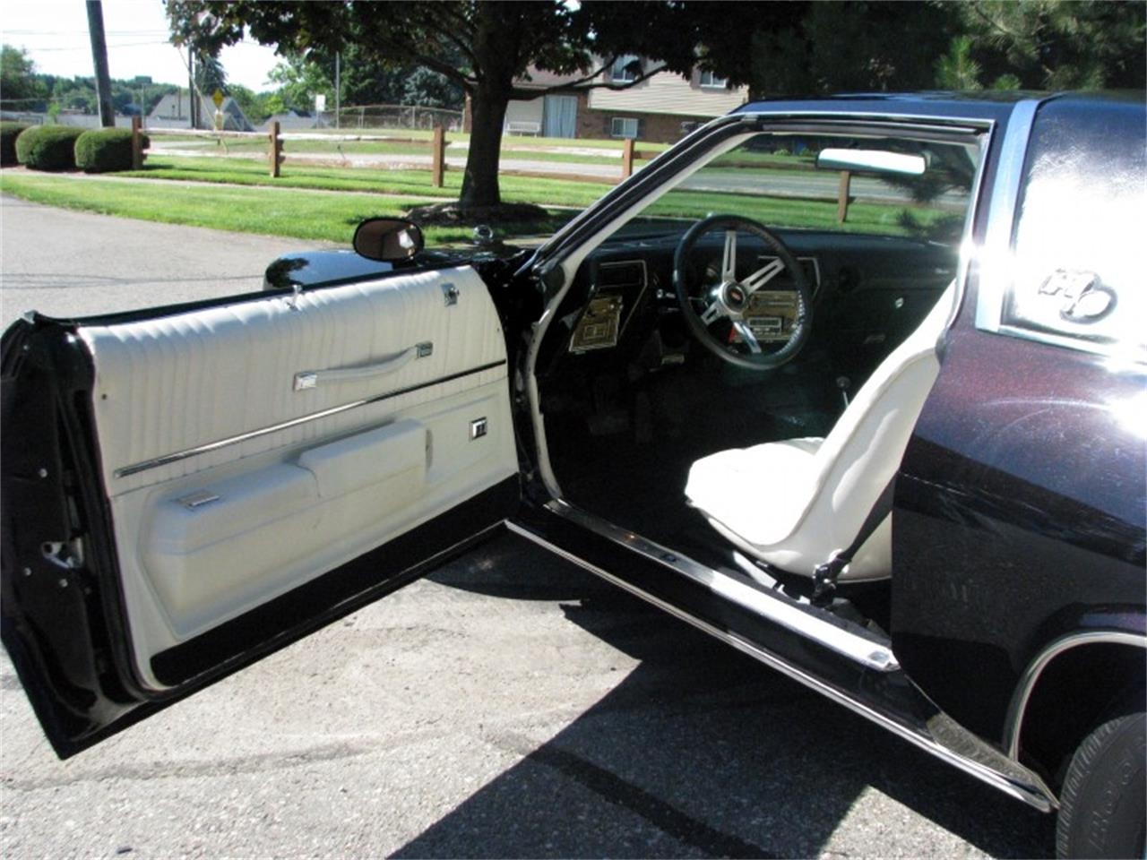 Large Picture of 1975 Oldsmobile 442 located in Michigan - $22,500.00 Offered by Sleeman's Classic Cars - J4WG