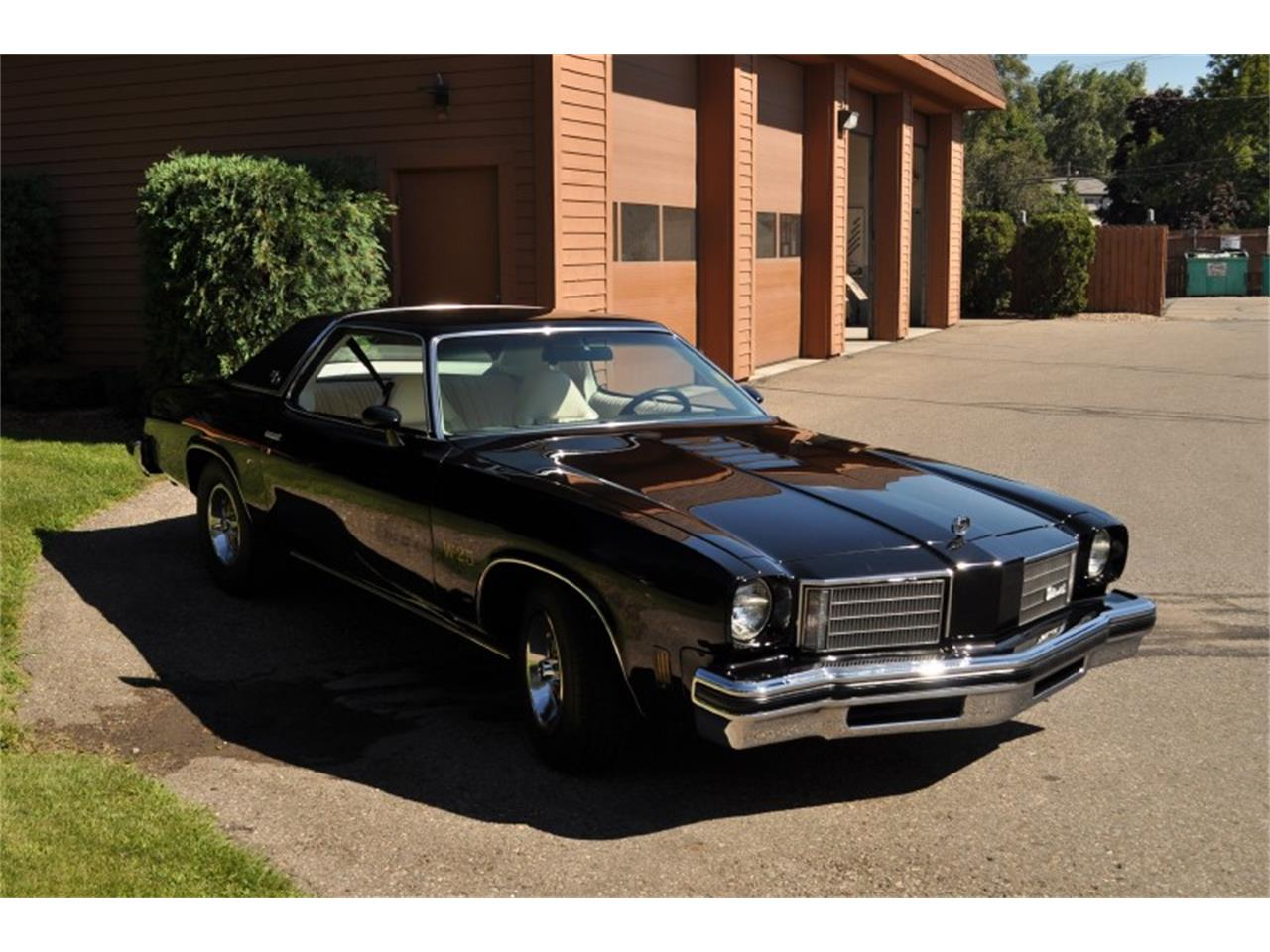 Large Picture of 1975 Oldsmobile 442 - $22,500.00 - J4WG