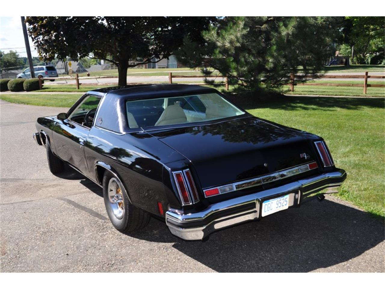 Large Picture of '75 Oldsmobile 442 located in Clarkston Michigan - $22,500.00 Offered by Sleeman's Classic Cars - J4WG