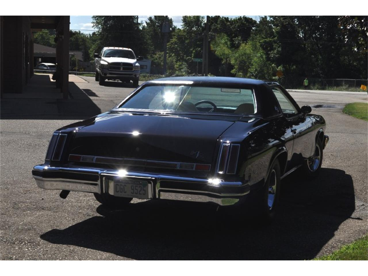 Large Picture of 1975 442 located in Clarkston Michigan - $22,500.00 Offered by Sleeman's Classic Cars - J4WG