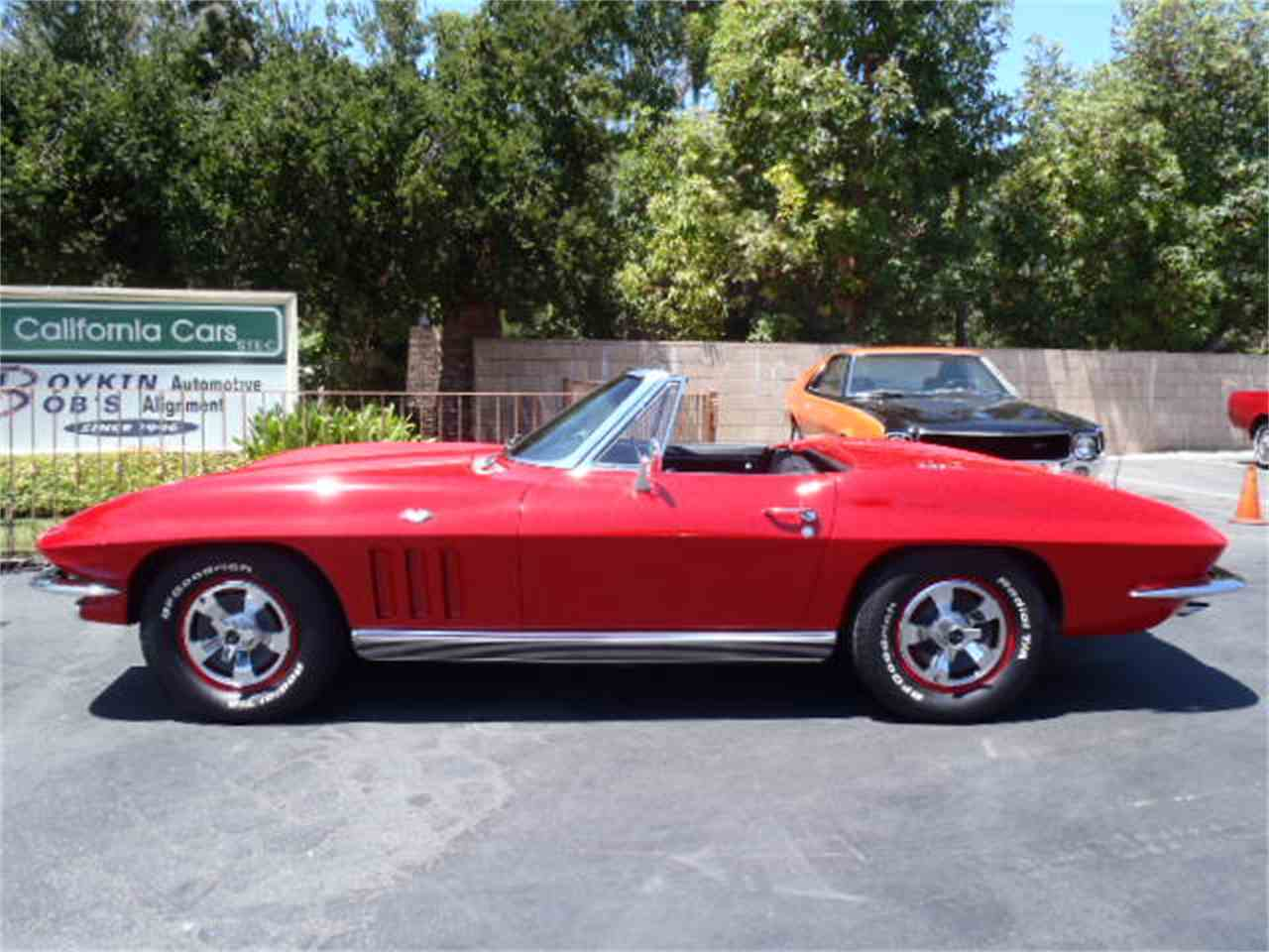Large Picture of '66 Corvette - J4YG