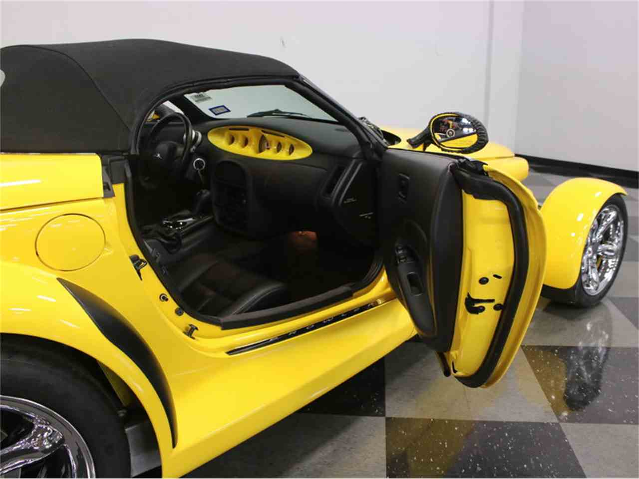 Large Picture of '99 Plymouth Prowler located in Texas - J56O