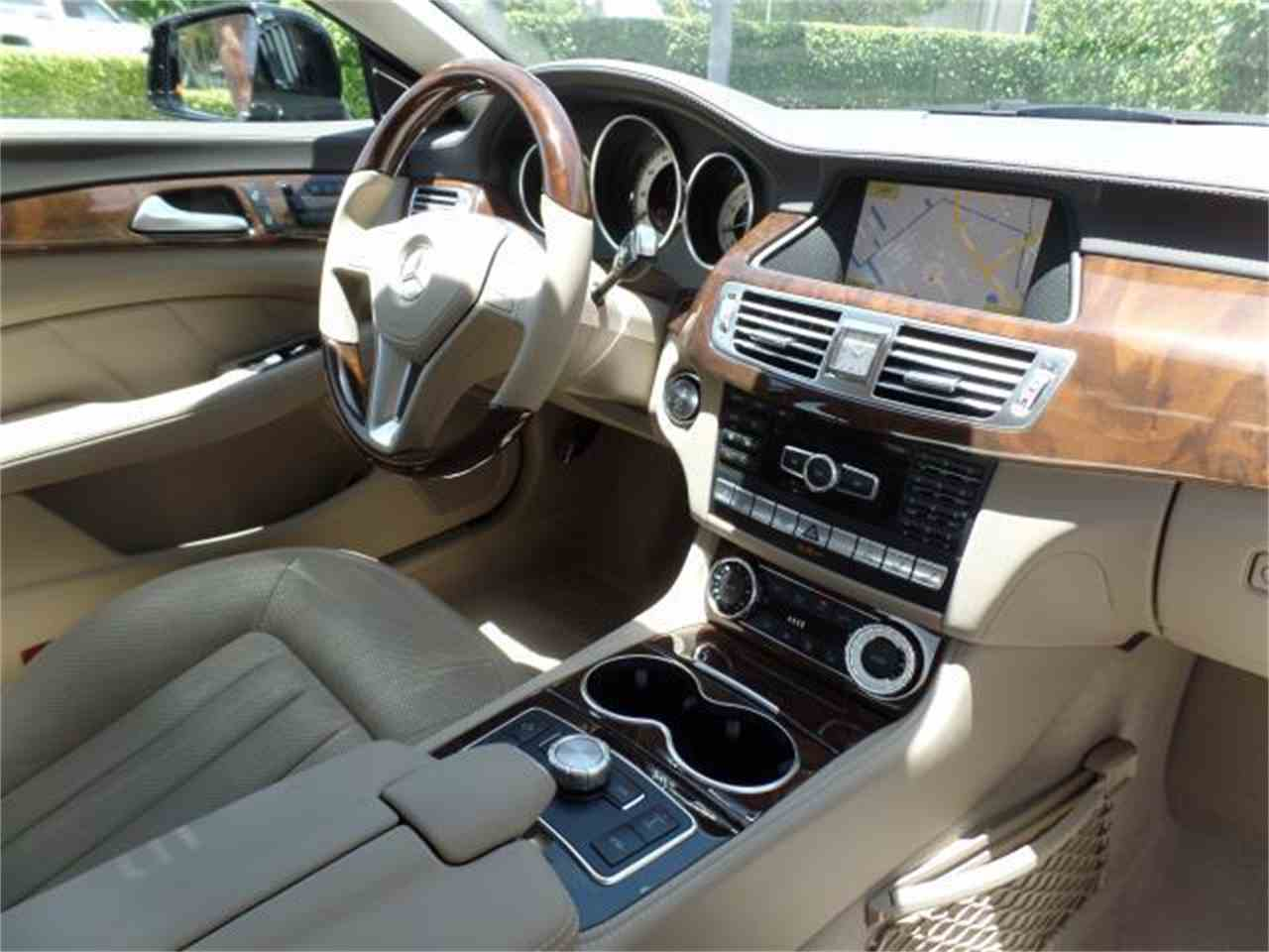 Large Picture of 2012 CLS550 - $37,900.00 Offered by Chariots of Palm Beach Inc. - J5EE
