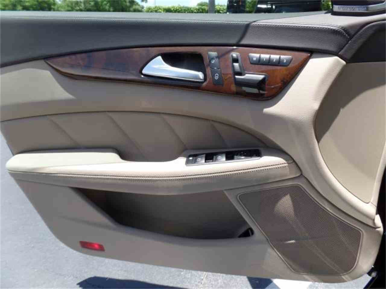 Large Picture of 2012 Mercedes-Benz CLS550 - $37,900.00 Offered by Chariots of Palm Beach Inc. - J5EE