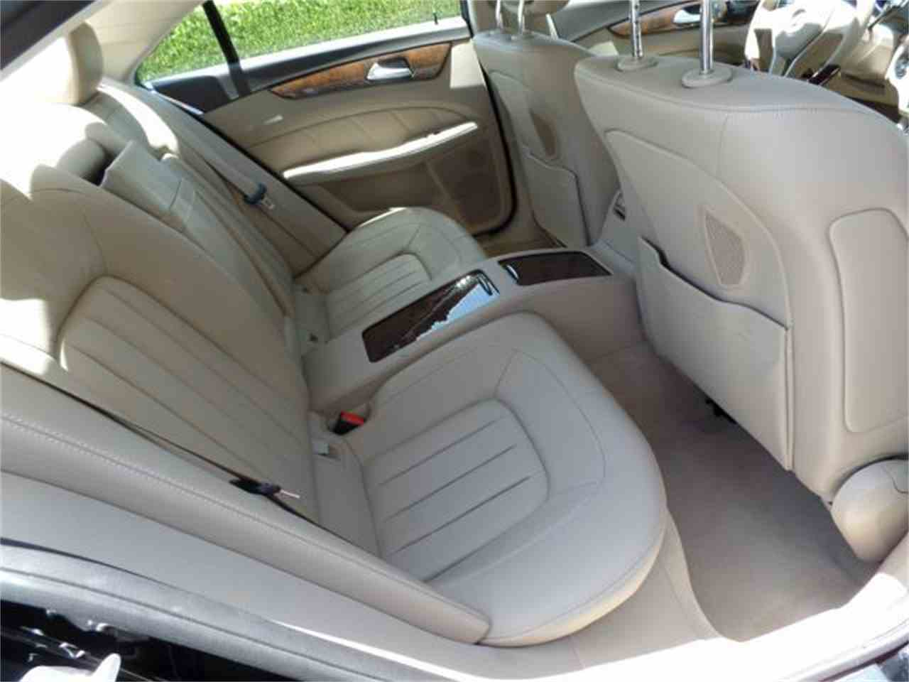 Large Picture of '12 Mercedes-Benz CLS550 - $37,900.00 Offered by Chariots of Palm Beach Inc. - J5EE