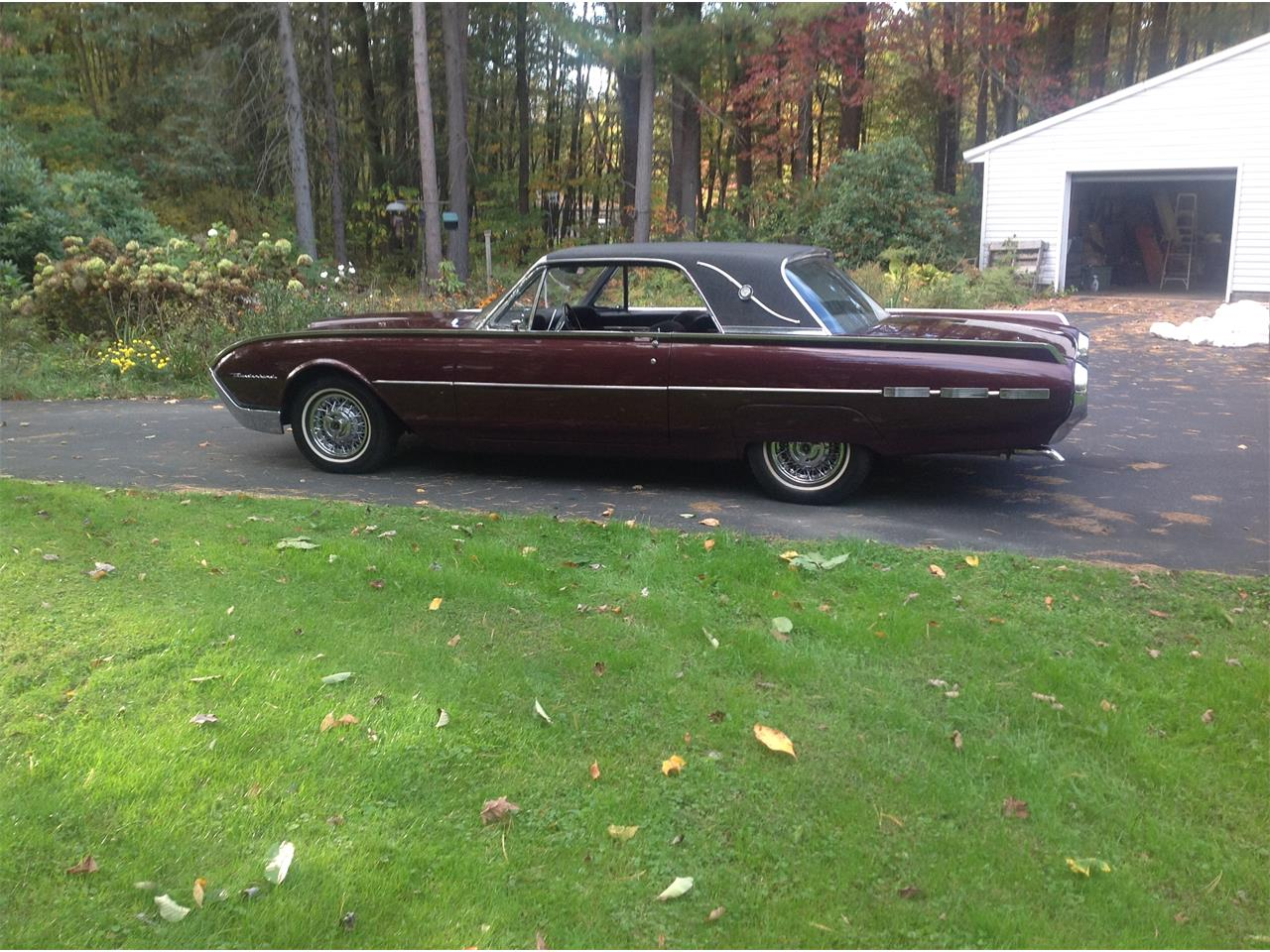 Large Picture of '62 Thunderbird - J5I5