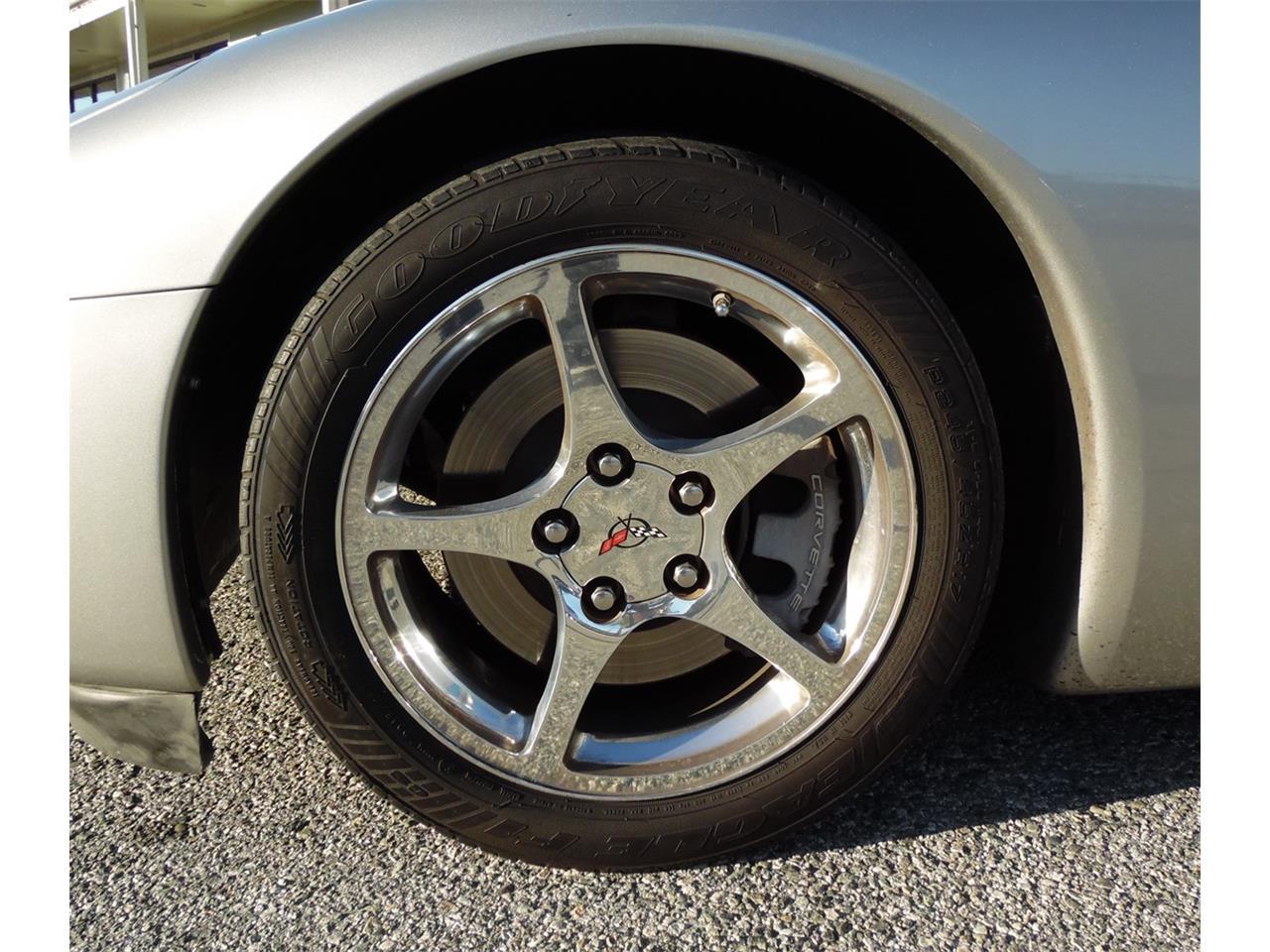 Large Picture of '04 Corvette - J5UJ