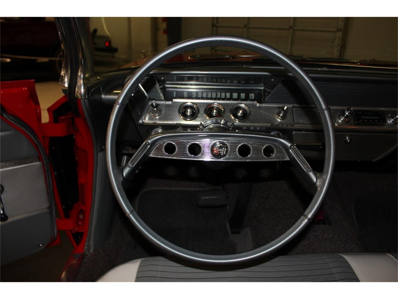 Large Picture of 1961 Impala - J60W