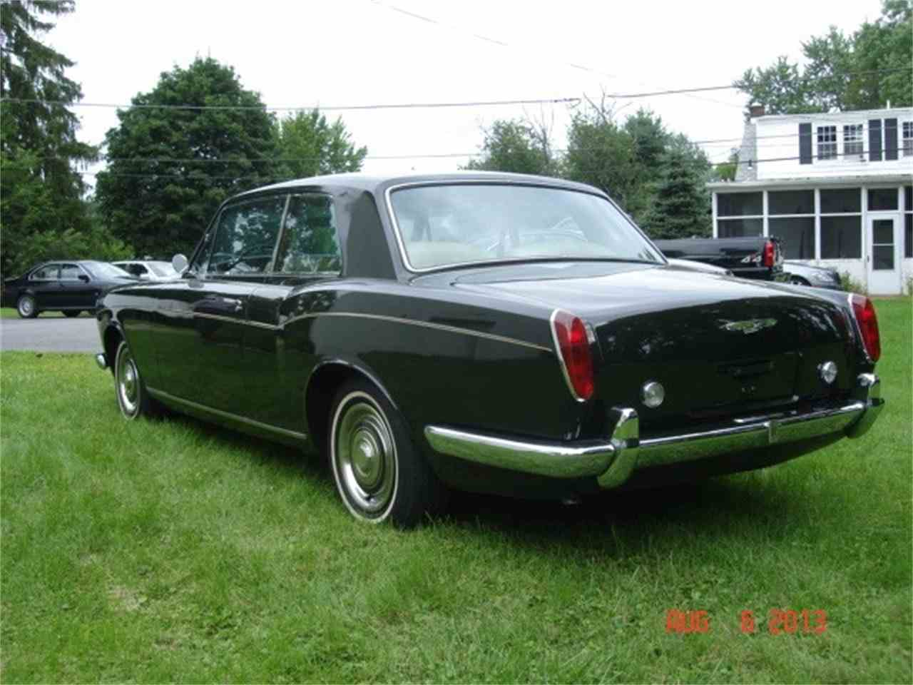 Large Picture of '67 Silver Shadow - J67S