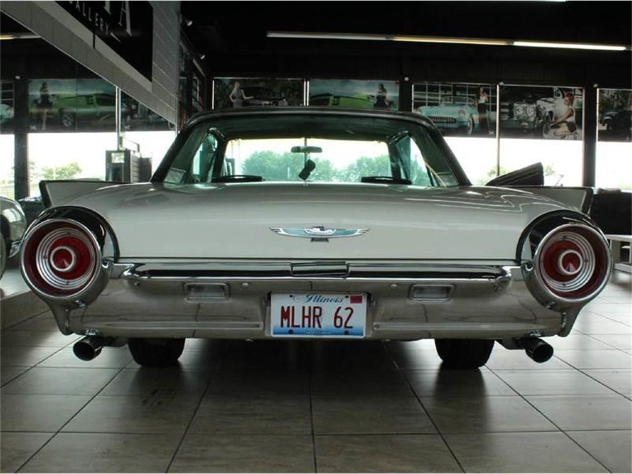 Large Picture of Classic 1962 Thunderbird located in St. Charles Illinois - J33F