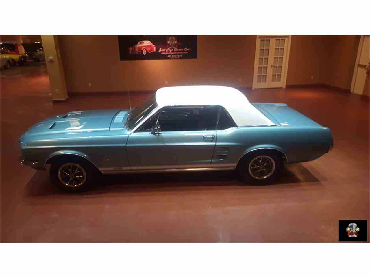 Large Picture of '67 Mustang - J6HN