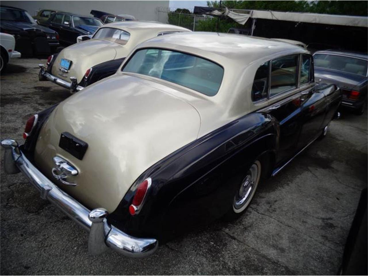 Large Picture of '61 Silver Cloud II - J6RC