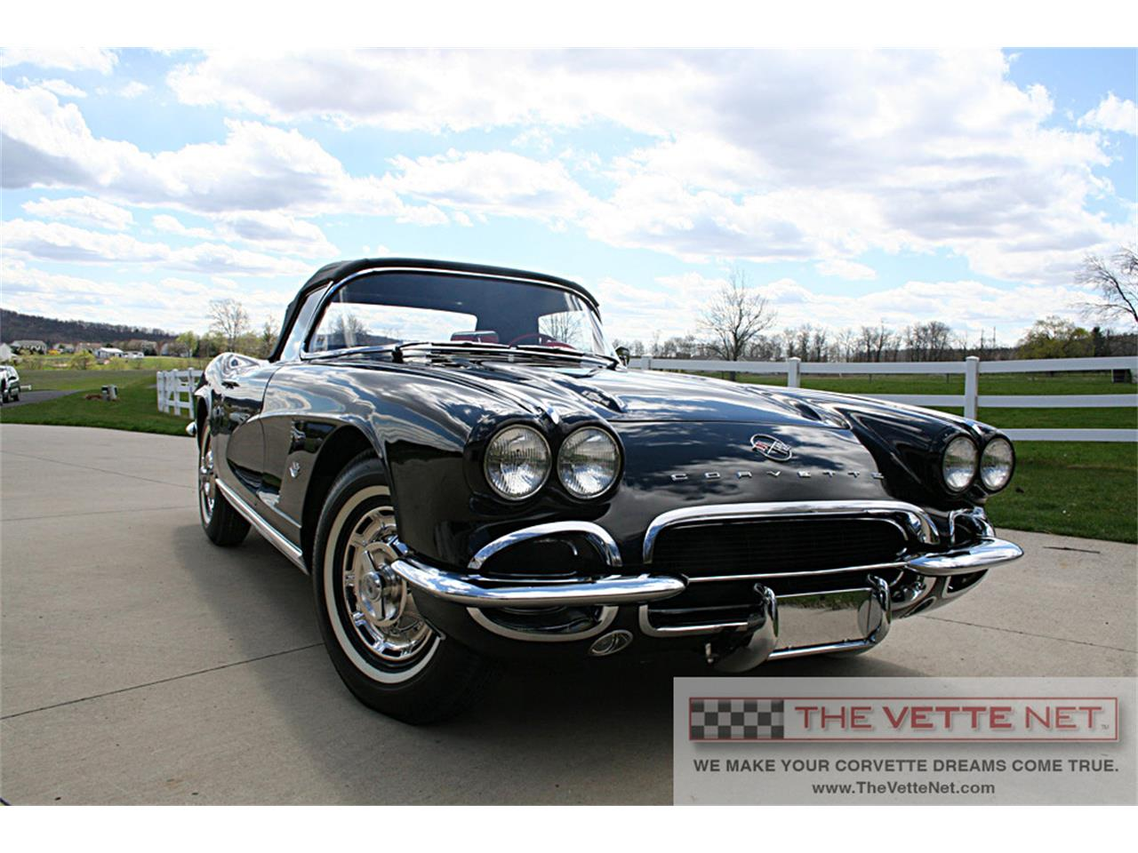 Large Picture of Classic 1962 Chevrolet Corvette located in Sarasota Florida - J6WO