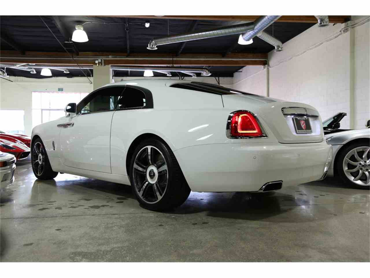 Large Picture of '15 Silver Wraith - J7K3