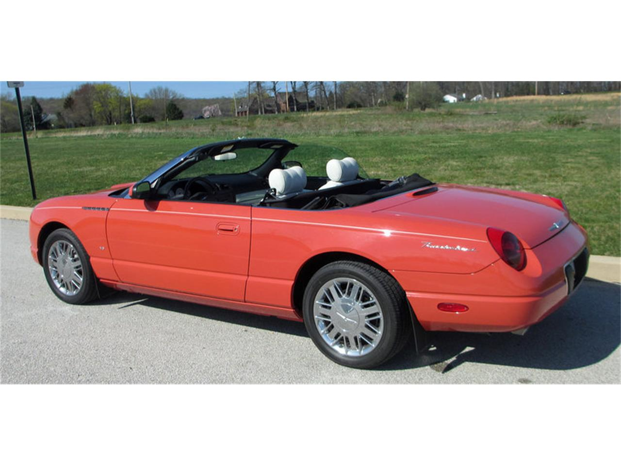 Large Picture of '03 Ford Thunderbird - $28,500.00 Offered by Connors Motorcar Company - J7OZ