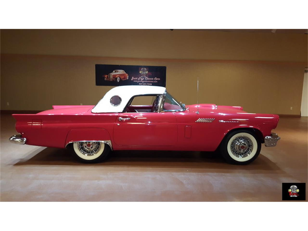 Large Picture of '57 Thunderbird - J84Z