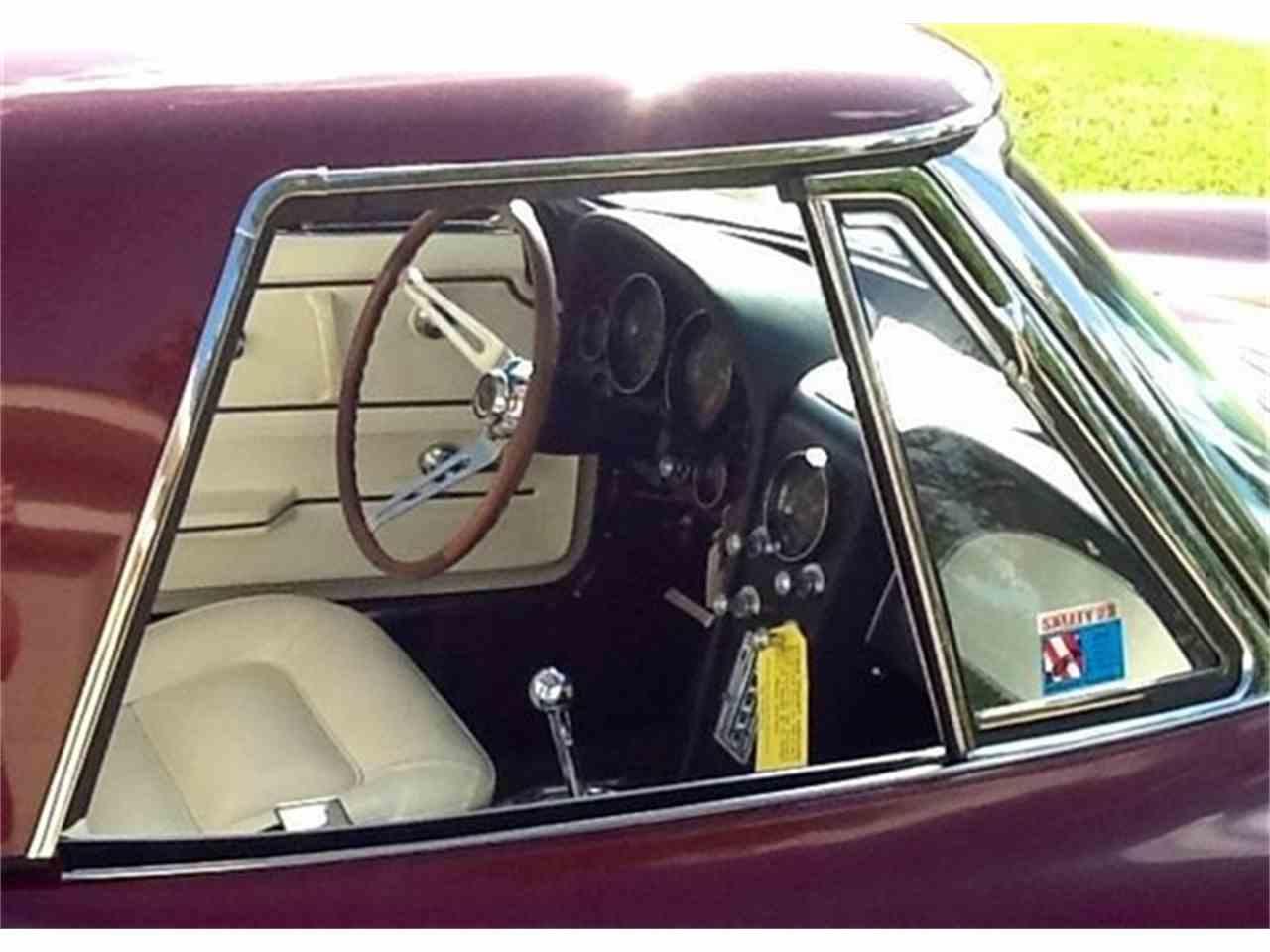 Large Picture of '65 Corvette - J8UF