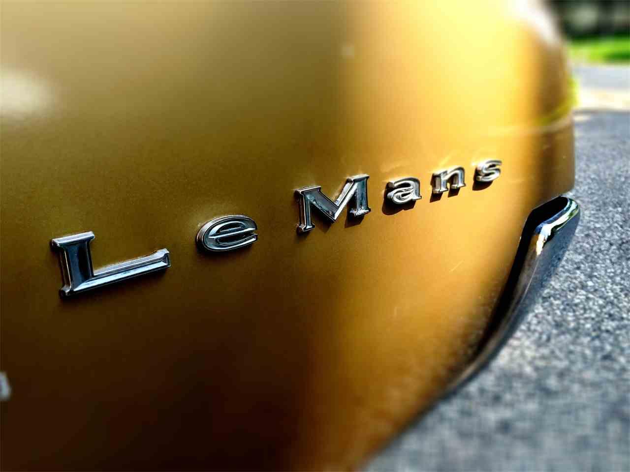 Large Picture of Classic '67 Pontiac LeMans - J9C1