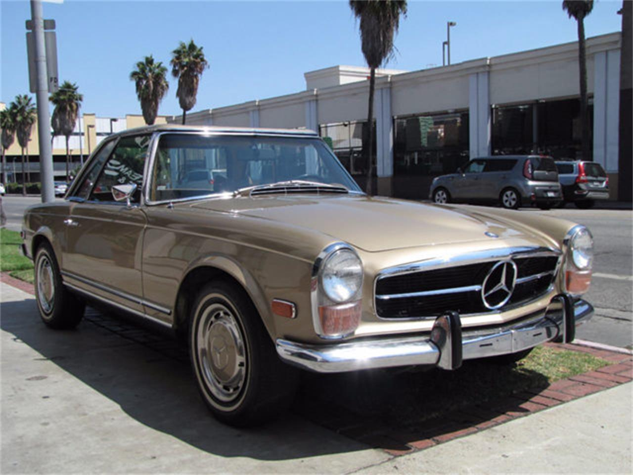 Large Picture of Classic '71 Mercedes-Benz 280SL located in Hollywood California - J9KB