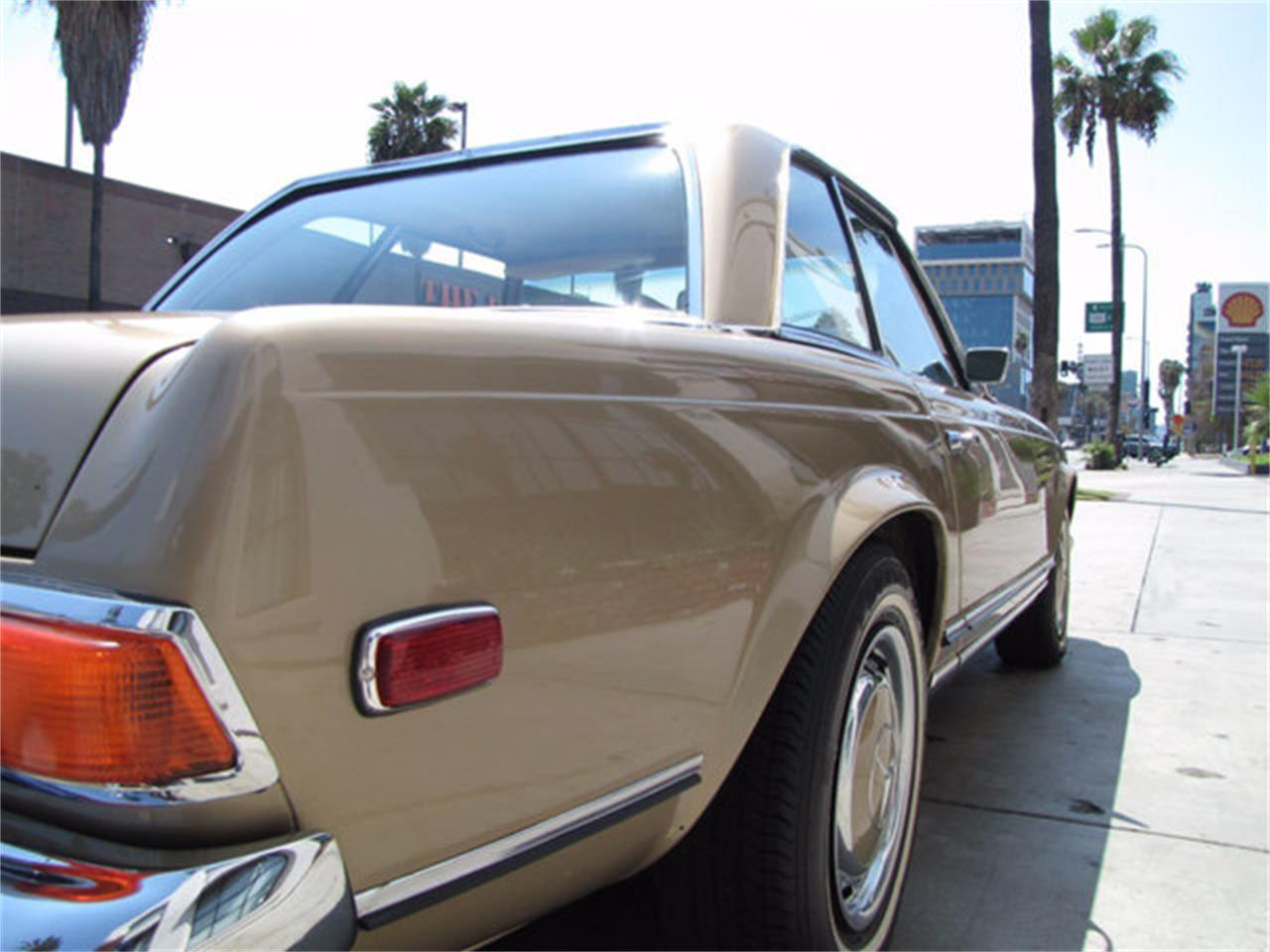 Large Picture of Classic '71 Mercedes-Benz 280SL - $78,750.00 - J9KB
