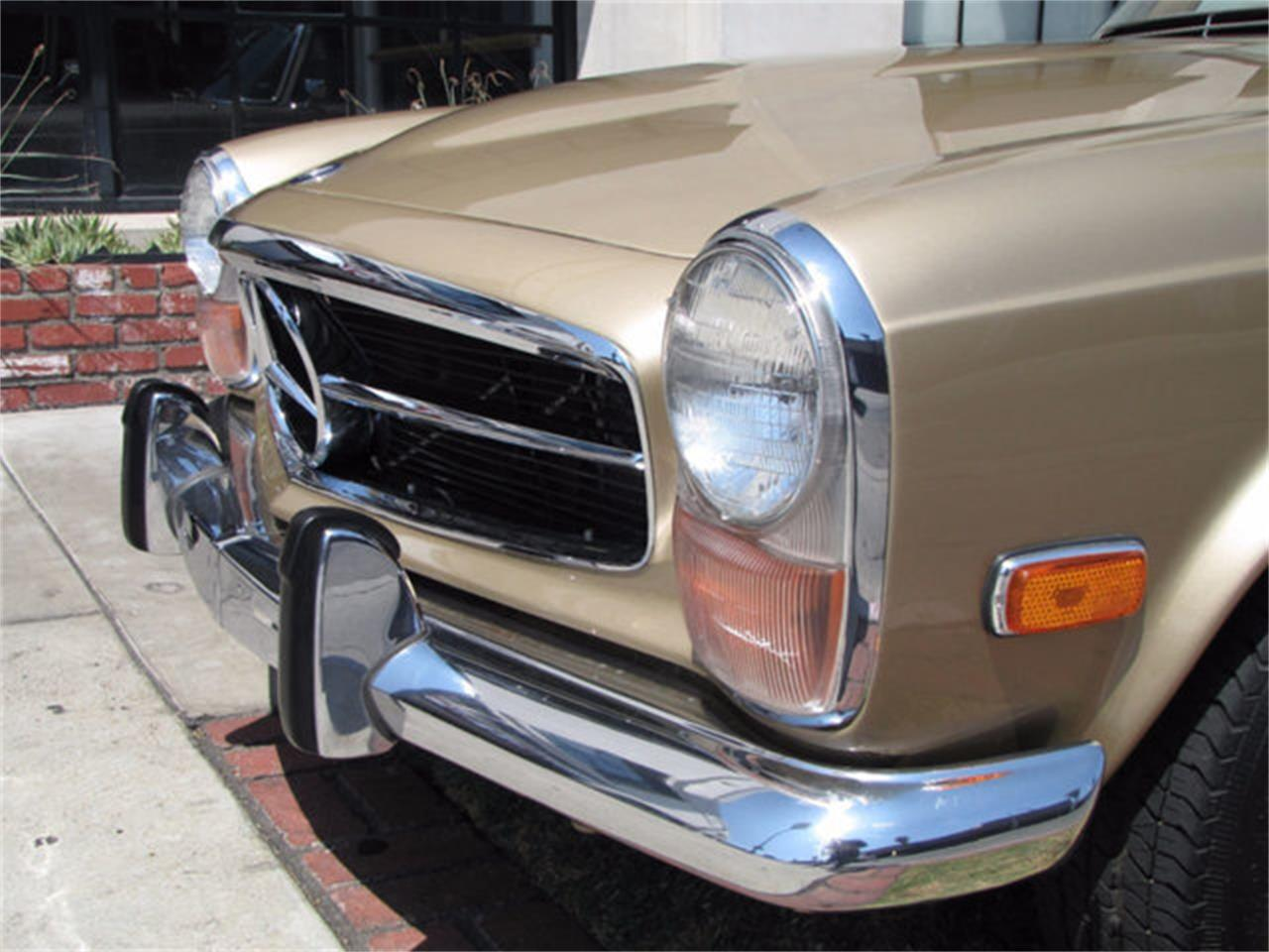 Large Picture of Classic '71 Mercedes-Benz 280SL located in Hollywood California - $78,750.00 - J9KB