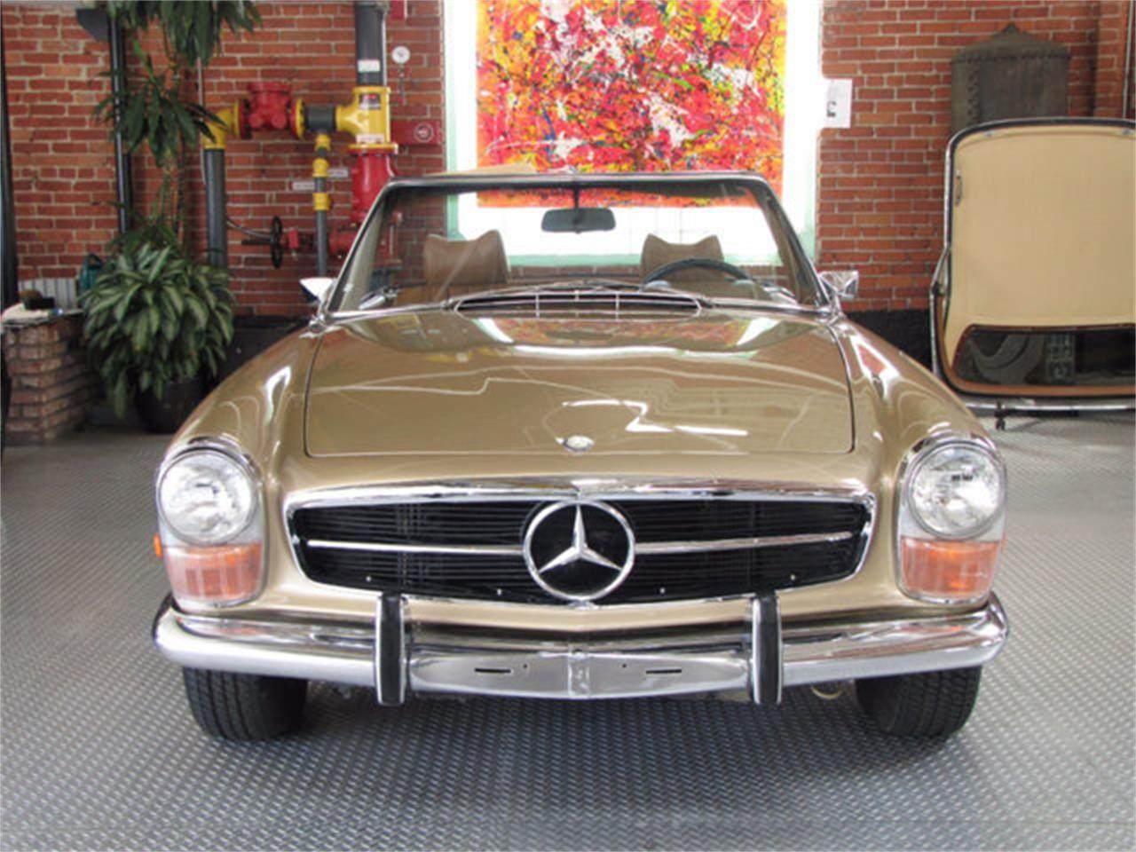 Large Picture of Classic 1971 Mercedes-Benz 280SL located in Hollywood California - J9KB