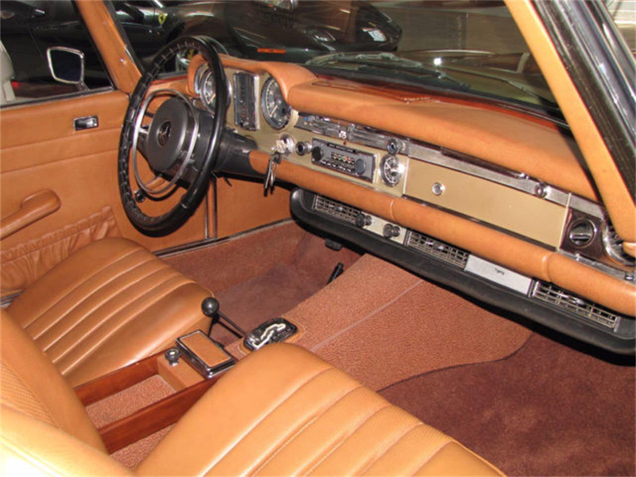 Large Picture of 1971 Mercedes-Benz 280SL located in Hollywood California - $78,750.00 Offered by JEM Motor Corp. - J9KB