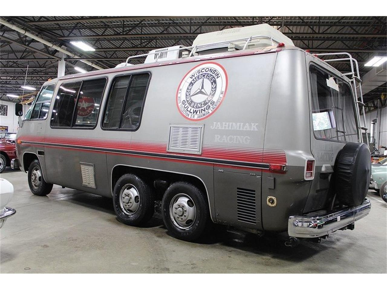 Large Picture of '77 GMC Front Wheel Drive Motorhome - $22,900.00 - JAEN