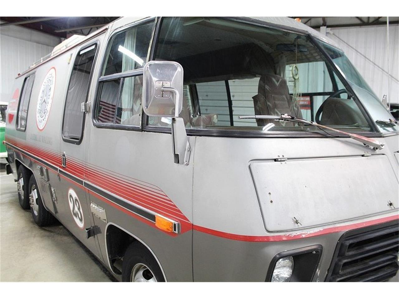Large Picture of '77 GMC Front Wheel Drive Motorhome - JAEN