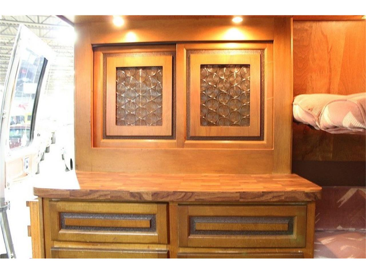 Large Picture of 1977 GMC Front Wheel Drive Motorhome located in Kentwood Michigan - JAEN