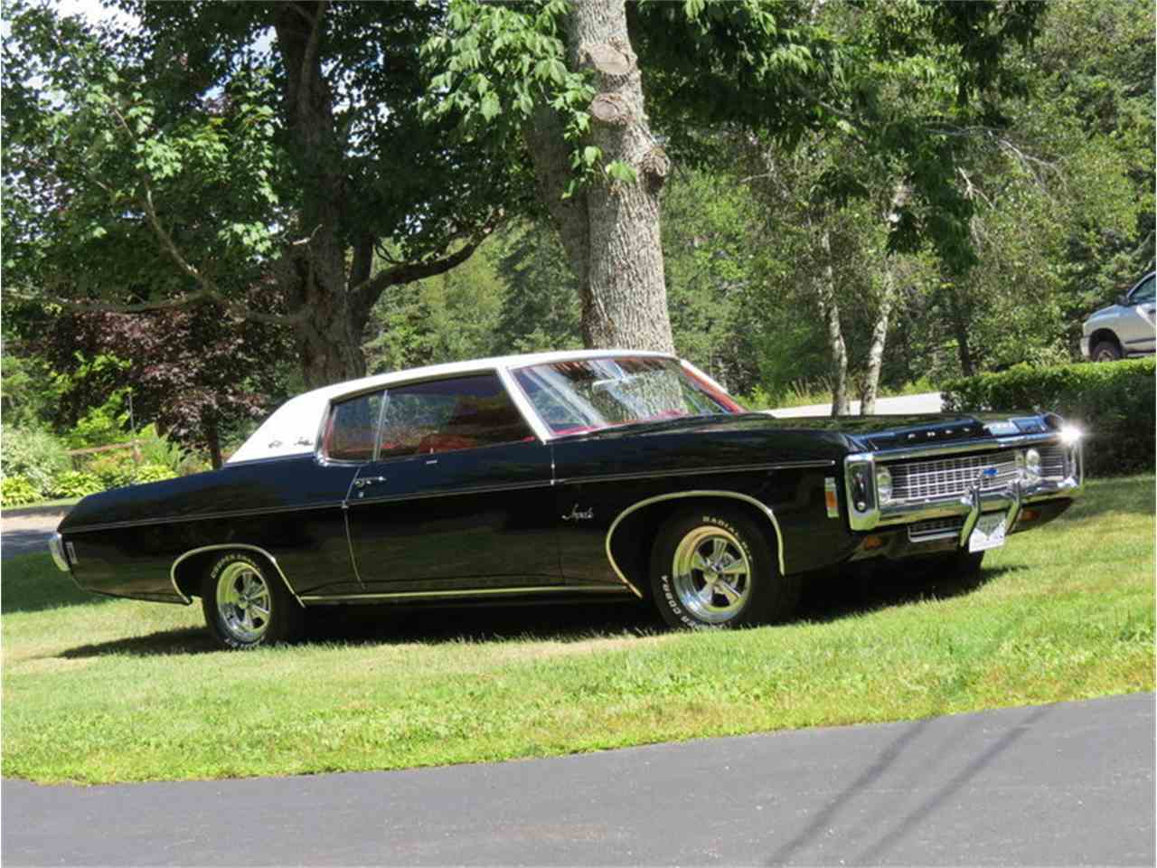 Large Picture of '69 Chevrolet Impala - $22,500.00 Offered by Silverstone Motorcars - JALU