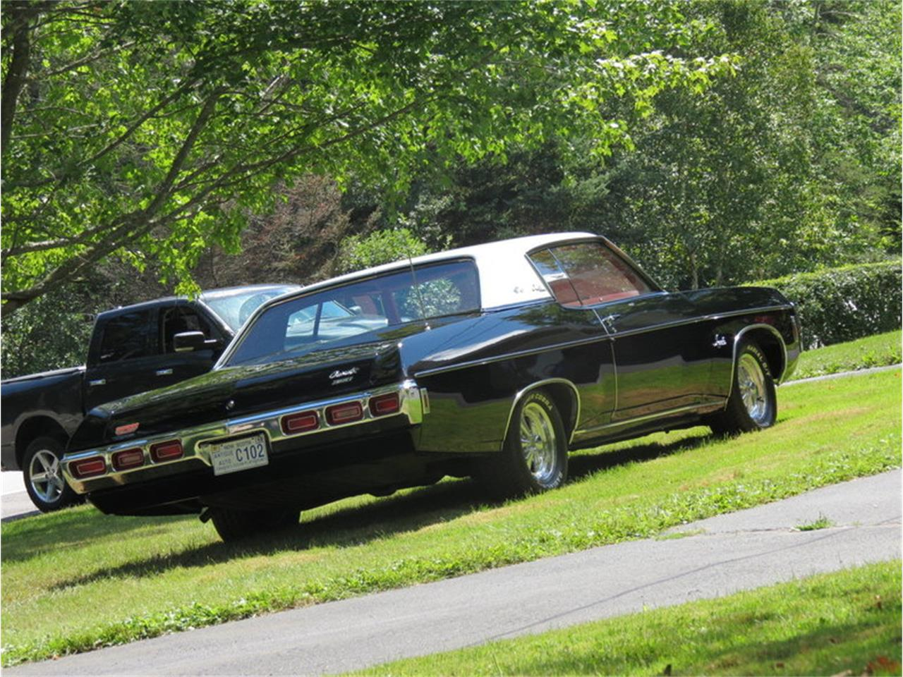 Large Picture of 1969 Chevrolet Impala Offered by Silverstone Motorcars - JALU