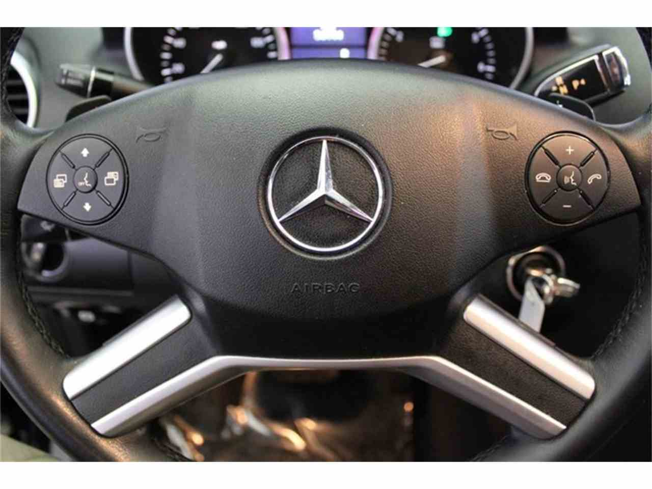 Large Picture of '10 Mercedes-Benz M-Class located in Anaheim California Offered by DC Motors - JC2Q