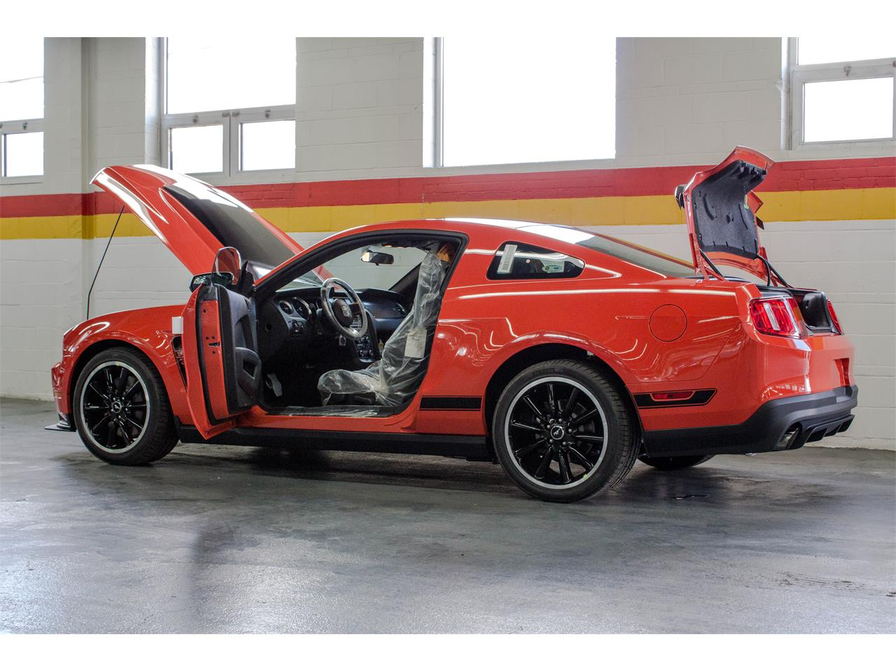 Large Picture of 2012 Mustang located in Quebec Offered by John Scotti Classic Cars - JAP2