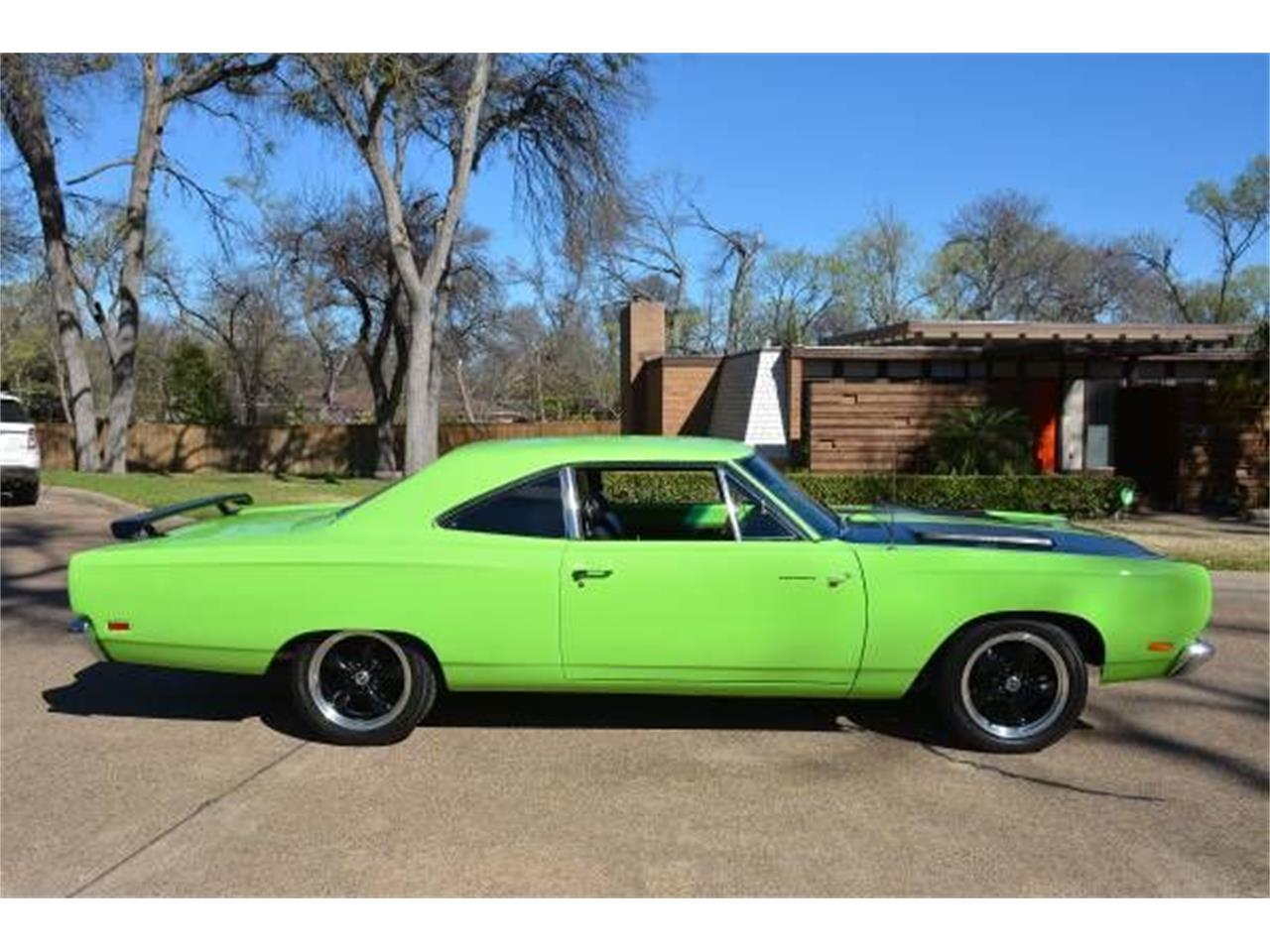 Large Picture of Classic 1969 Plymouth Road Runner located in Cadillac Michigan - JCZ9