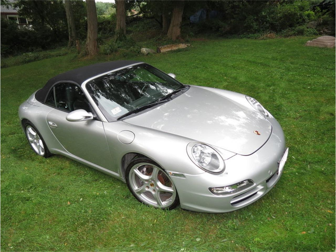 Large Picture of '05 Porsche 911 Carrera located in North Andover Massachusetts - $29,950.00 Offered by Silverstone Motorcars - JD2Q