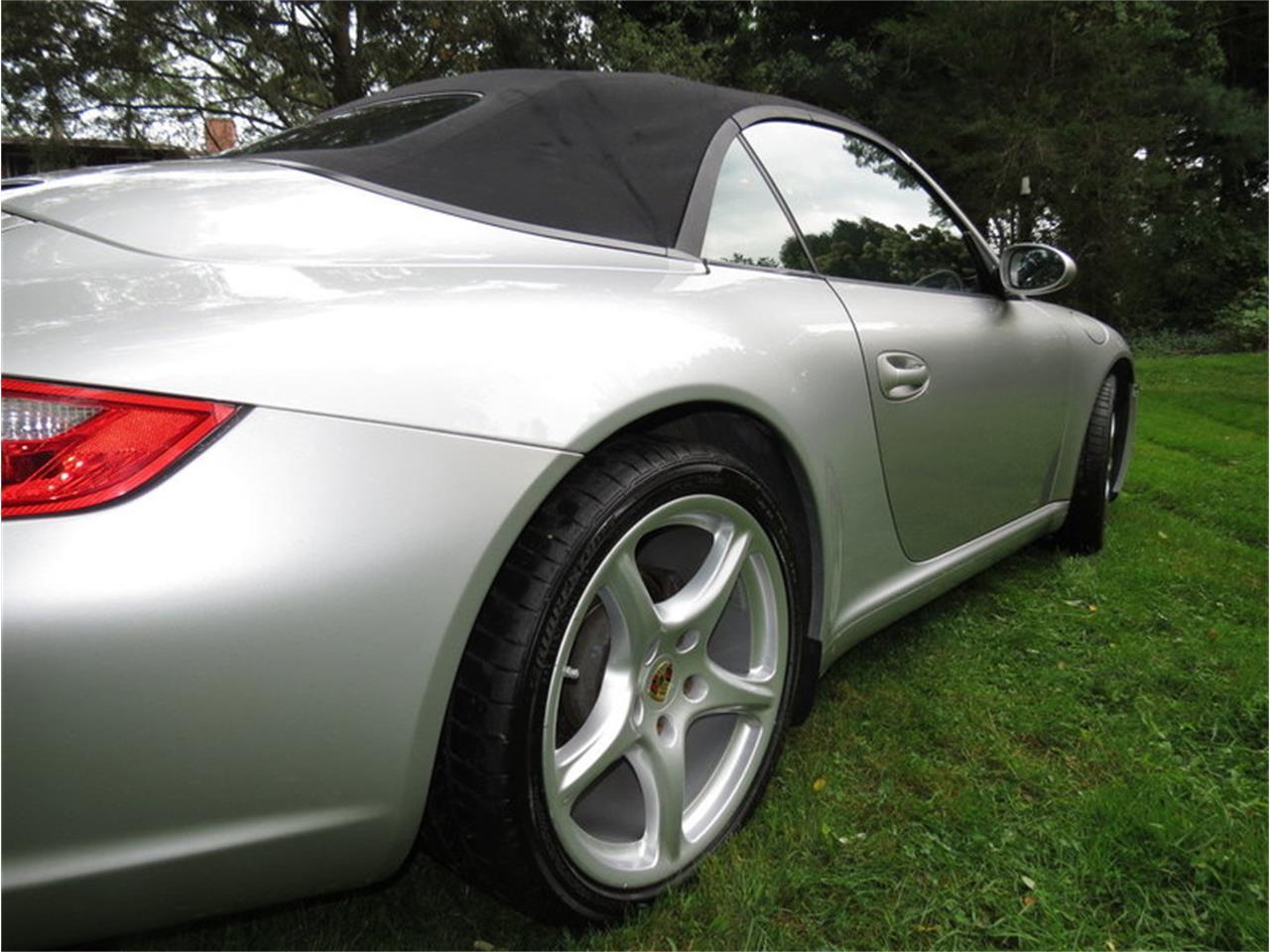 Large Picture of '05 Porsche 911 Carrera - $29,950.00 - JD2Q
