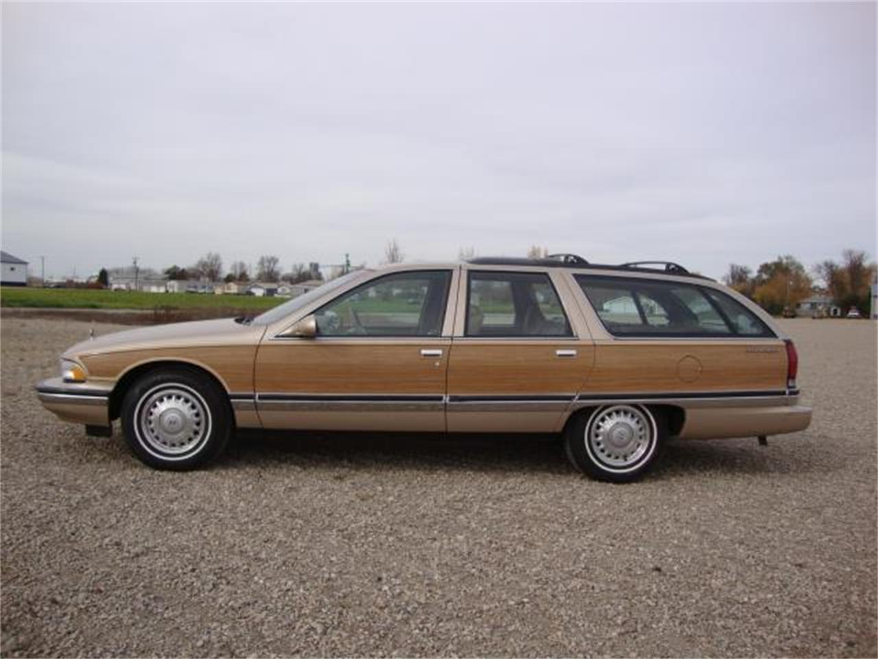 Large Picture of 1996 Buick Roadmaster located in South Dakota - JDAH