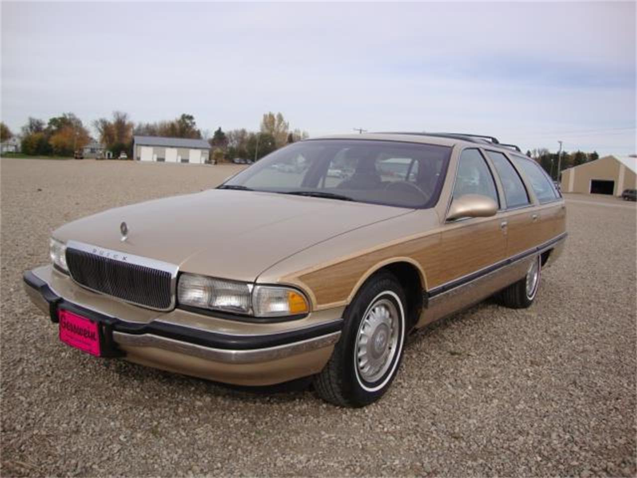Large Picture of '96 Roadmaster located in Milbank South Dakota Offered by Gesswein Motors - JDAH
