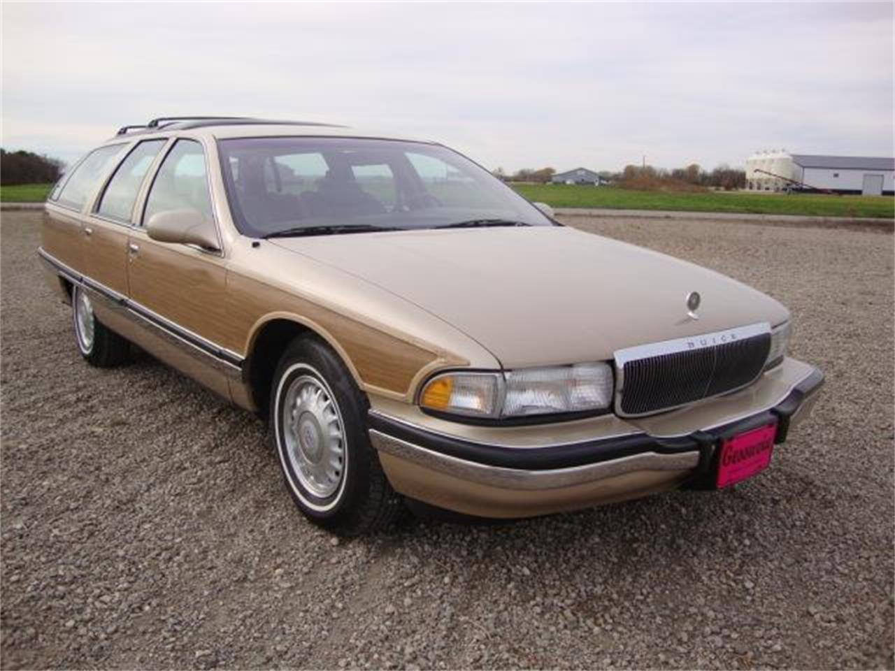 Large Picture of 1996 Roadmaster located in Milbank South Dakota Offered by Gesswein Motors - JDAH