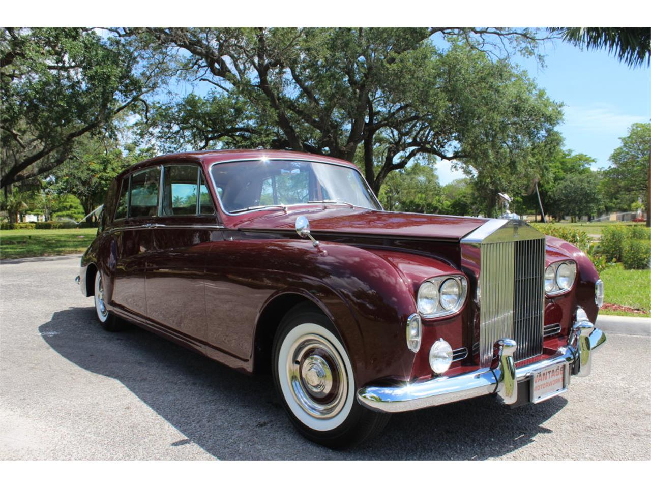 Large Picture of '66 Rolls-Royce Phantom located in Florida Offered by Vantage Motorworks - JDBM