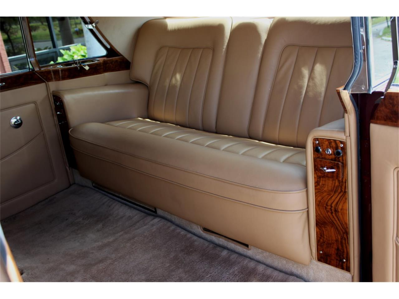Large Picture of 1966 Rolls-Royce Phantom Auction Vehicle - JDBM