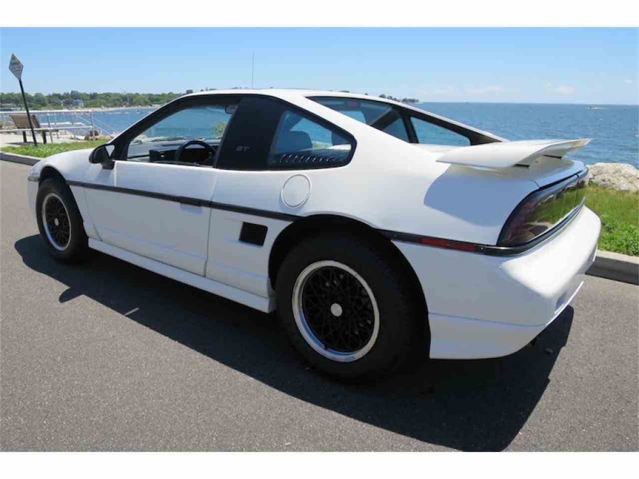 Large Picture of '88 Fiero - JE66
