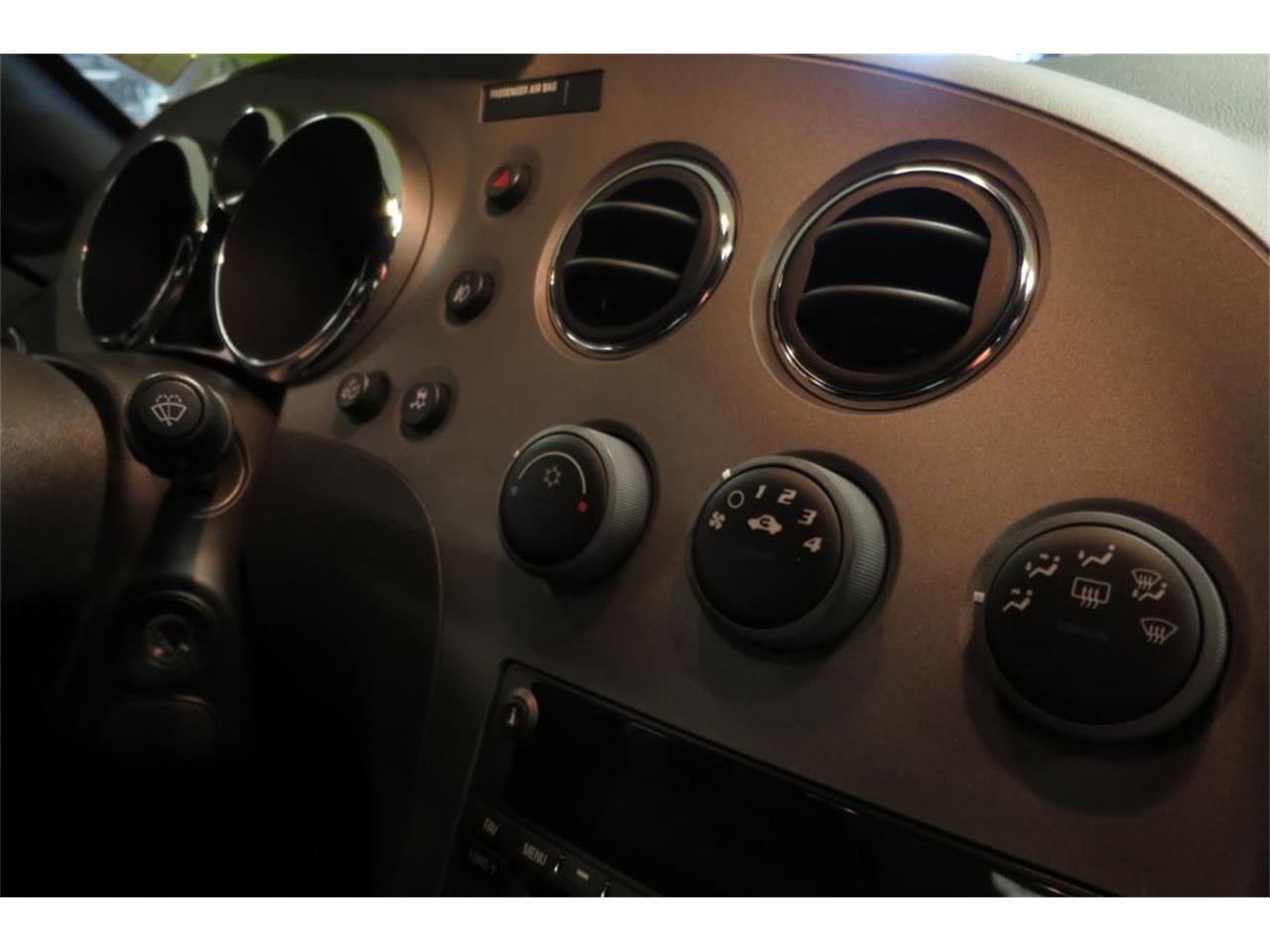 Large Picture of '09 Pontiac Solstice - JE6M