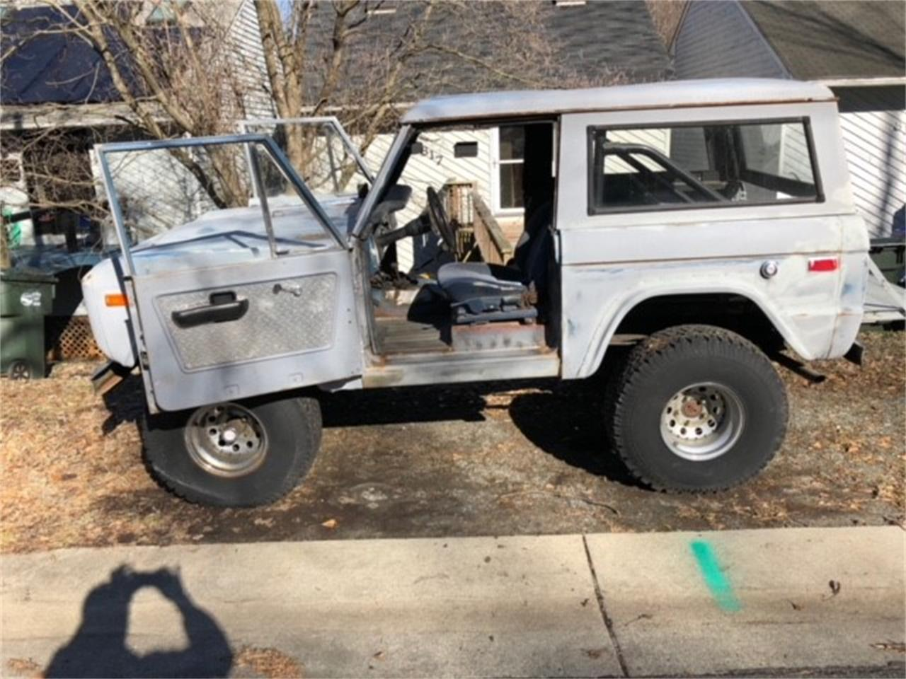 Large Picture of 1973 Bronco - JF2R
